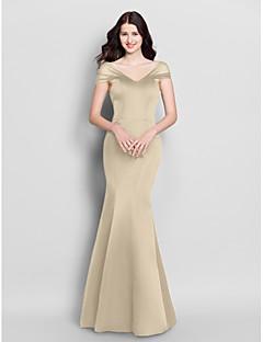 billige Prøv det hjemme-Havfrue V-hals Gulvlang Sateng Brudepikekjole med Plissert av LAN TING BRIDE®
