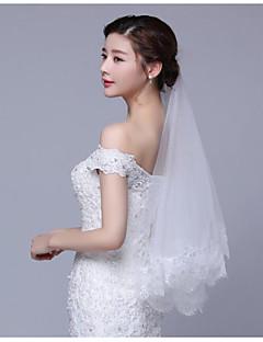 Недорогие -Один слой Современный Простой стиль Принцесса Свадьба Свадебные вуали Фата до локтя С Кружева Аппликация Кружева Тюль