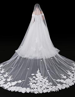 cheap Wedding Veils-One-tier Modern Style Flower Style Accessories Lace Applique Edge Oversized Bridal Princess European Lace Wedding Wedding Veil Blusher