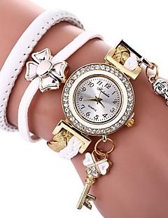 billige Armbåndsure-Dame Quartz Armbåndsur Kinesisk Imiteret Diamant Afslappet Ur PU Bånd Sommerfugl Bohemisk Sort Hvid