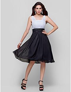 Χαμηλού Κόστους Φορέματα κοκτέιλ-Γραμμή Α Τετράγωνη Λαιμόκοψη Μέχρι το γόνατο Σιφόν / Σατέν Φόρεμα με Χάντρες / Που καλύπτει με TS Couture®