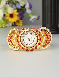 billige Armbåndsure-FEIS Dame Armbåndsur Quartz Kronograf Legering Bånd Analog-digital Mode Guld - Rød