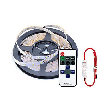 billige LED Strip Lamper-ZDM® 5 m Fleksible LED-lysstriper / Lyssett 300 LED SMD 2835 1 11Vis fjernkontrollen / 1 x 2A strømadapter Varm hvit / Hvit / Rød Kuttbar / Selvklebende / Jul Bryllup Dekorasjon 12 V 1set