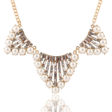 נשים שרשראות תליון שרשרת פנינים פנינה קריסטל דמוי פנינה אבן נוצצת סגסוגת אופנתי זהב תכשיטים חתונה Party יומי קזו'אל 1pc