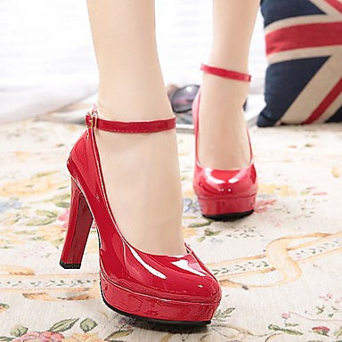 Mulheres Sapatos Couro Ecológico Primavera Outono Saltos Caminhada Salto Agulha para Ao ar livre Branco Preto Vermelho Dourado