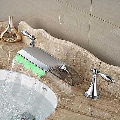 コンテンポラリー アールデコ調/レトロ風 近代の 組み合わせ式 滝状吐水タイプ 組み合わせ式 LED セラミックバルブ 二つのハンドル三穴 クロム, バスルームのシンクの蛇口