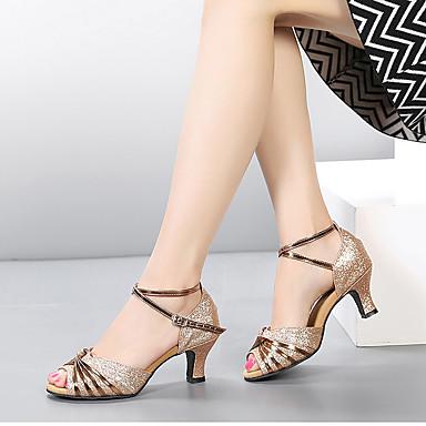 Mulheres Sapatos de Dança Latina Glitter / Paetês / Sintético Sandália / Salto Gliter com Brilho / Presilha / Fru-Fru Salto Cubano Sapatos de Dança Camel / Prateado / Preto / Vermelho / Interior
