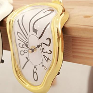 Modern / Contemporary Plastic Irregular Indoor,AA Batteries Powered Wall Clock