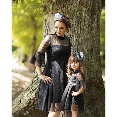 billige Familie-tøjsæt-Mommy og mig Aktiv Basale Ensfarvet Blonder 3/4-ærmer Knælang Kjole Sort