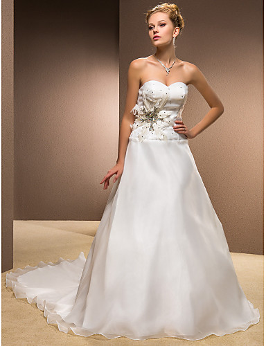 A-line /Princess Sweetheart Chapel Train Organza Wedding Dress