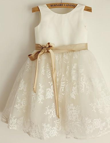 Prenses Scoop Boyun Diz Boyu Dantelalar Saten Fiyonk Kurdeleler ile Çiçekçi Kız Elbisesi tarafından LAN TING BRIDE®