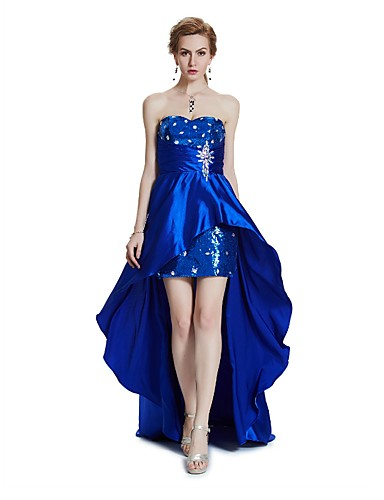 Eng anliegend Trägerlos Asymmetrisch Satin Cocktailparty Abiball Kleid mit Perlenstickerei Paillette Kristall Verzierung Drapiert durch