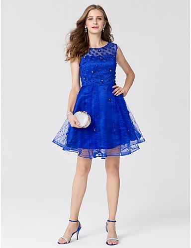 A-Linie Illusionsausschnitt Knie-Länge Spitze / Satin / Tüll Cocktailparty / Abiball Kleid mit Perlenstickerei / Blume durch TS Couture®