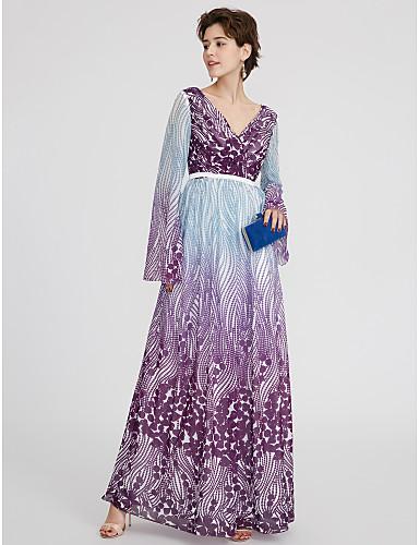 Linha A Decote V Longo Chiffon Color Block Evento Formal Vestido com Faixa / Fita / Pregas de TS Couture®