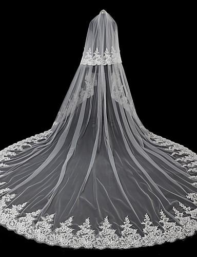 Kétkapcsos Modern stílus   Kiegészítők   Virágos Menyasszonyi fátyol  Pironkodó (blusher) fátylak   Kápolna d5722738a8