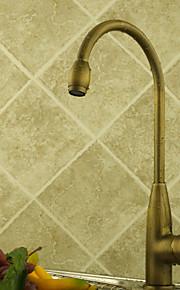 Античный Высокий / High Arc Настольная установка Вращающийся Керамический клапан Одно отверстие Одной ручкой одно отверстие Старая латунь