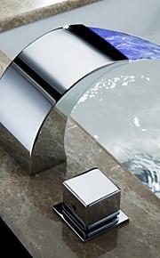バスルームのシンクの蛇口 - 滝状吐水タイプ クロム デッキマウント 二つのハンドル三穴