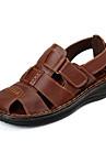 Bărbați Pantofi Piele Primăvară / Vară Confortabili Sandale Papuci de Apă Negru / Maro Deschis
